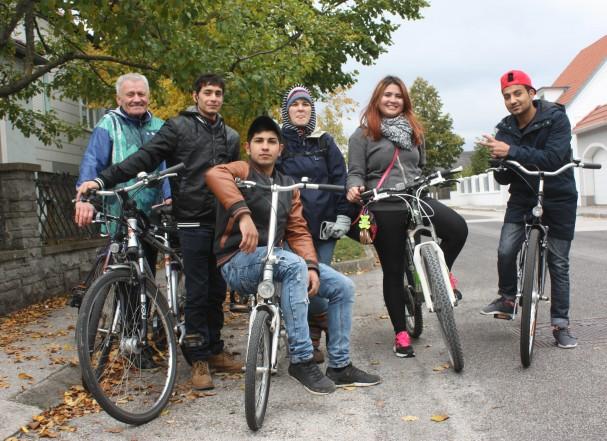 Radlobby Radtour mit jungen Flüchtlingen in Wiener Neustadt