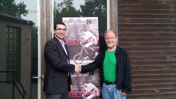 Michael Cramer und Roland Romano setzen sich für eine Fahrradstraße Argentinierstraße ein