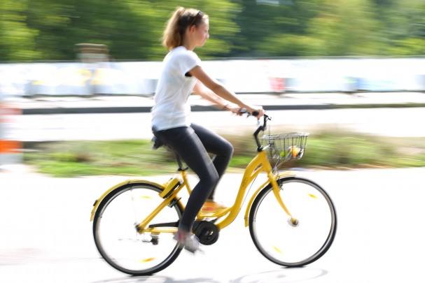 bikesharing_ofo_wien_fahrerin.jpg