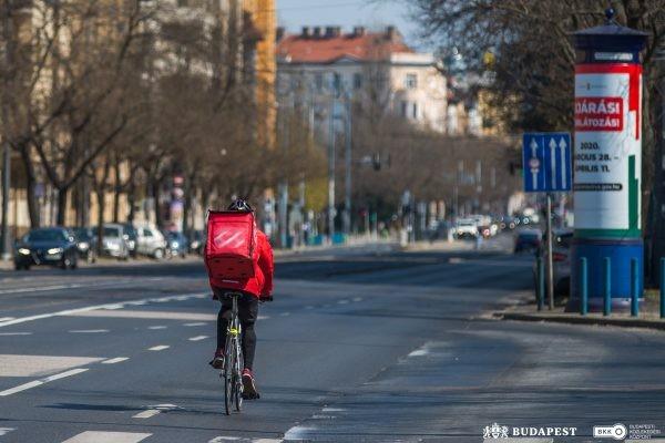 bkk_biciklisek-a-varosban_budapest_corona.jpg
