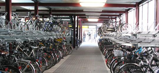 bremen-hbf-fahrradstation.jpg