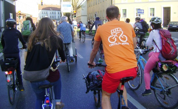 Critical Mass in der Grazbachgasse