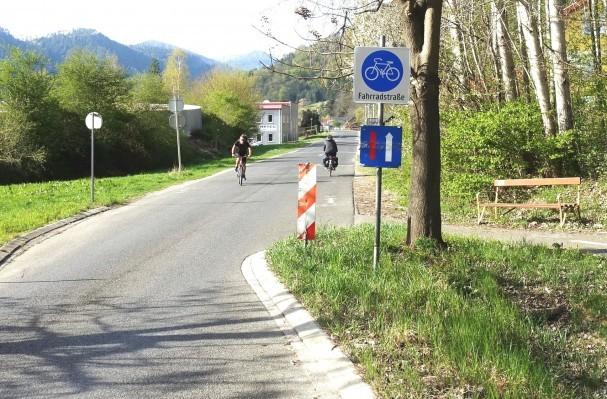 fahrradstrasse_eggenfeld_suedende.jpg