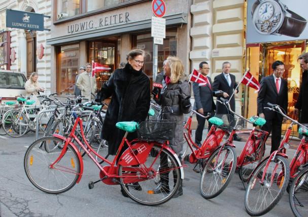Dänische Botschaft organisierte wieder eine Radfahrt zum Neujahrsempfang beim Bundespräsidenten