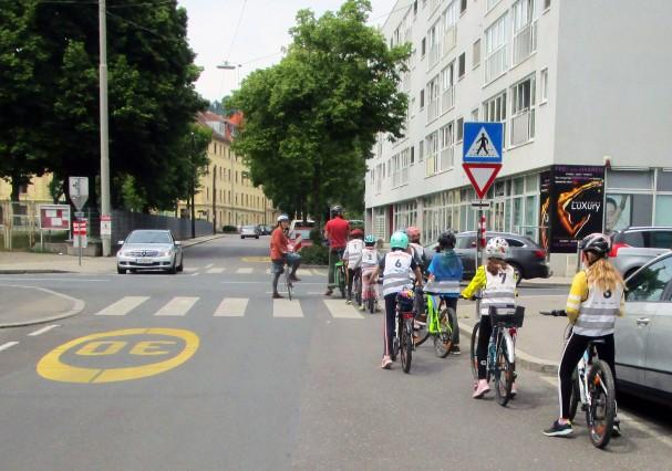Kinderradkurs im Straßenraum