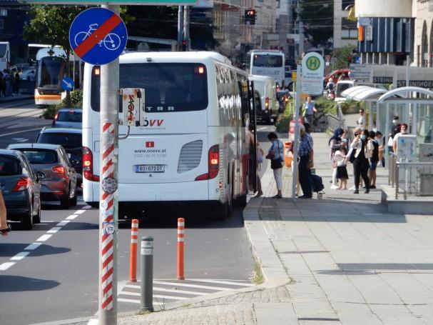 linz-donautor-busbucht-knick2.jpg