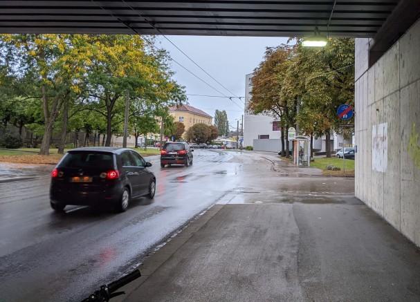 Apruptes Radwegende bei Unterführung Humboldtstraße