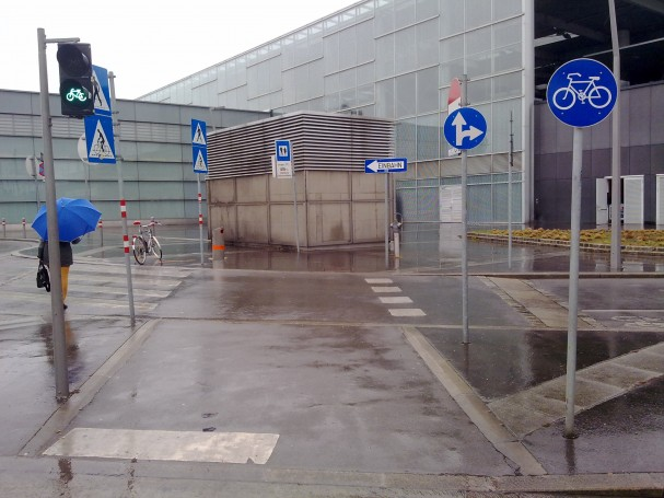 Radfahrerüberfahrt am Praterstern