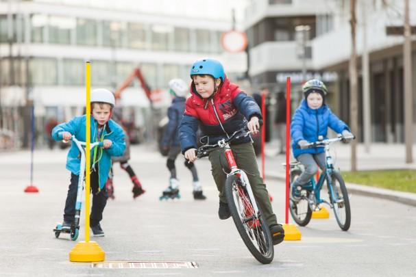 """Konzept """"RadSpielPlatz"""": viel Verkehr beim mobilen Testbetrieb"""
