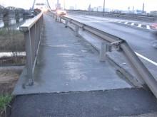 Bis jetzt gerne befahren - der Begleitweg auf der Brücke