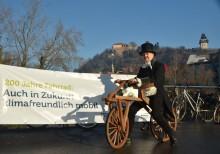 """""""Karl Drais"""" auf der Erzherzog Johann-Brücke"""
