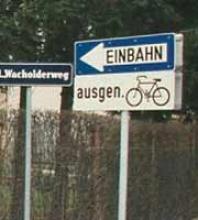 radfahreneinbahnschild.png