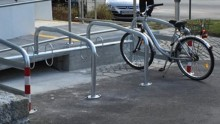 Fahrradständer - vor den Vorhang!