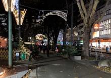 Radweg durch den Weihnachtsmarkt im Volksgarten